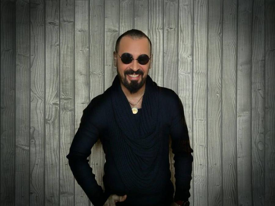Azərbaycanlı müğənni gecə klubu açıb - foto