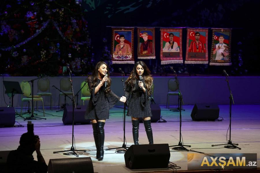 Sevil və Sevinc konsertdə - fotolar