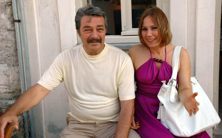 Kadir İnanırın xanımı terror təşkilatlarının yazılarını yayımlamaqda ittiham olunub