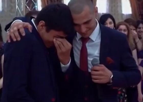 Bəyin sözləri hər kəsi ağlatdı - video