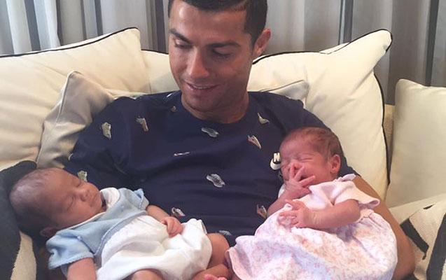 Ronaldonun əkizləri - FOTO
