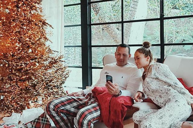 Pijamalarda kamera qarşısına keçdilər - fotolar