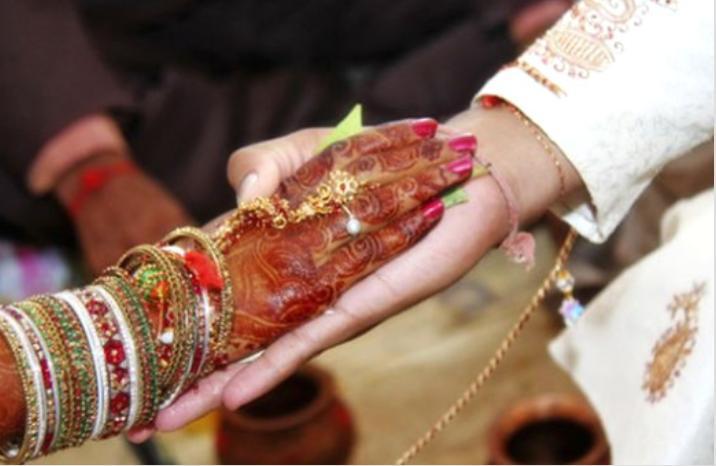 Toy qabağı sevdiyi qız öldü - Cəsədlə evləndi