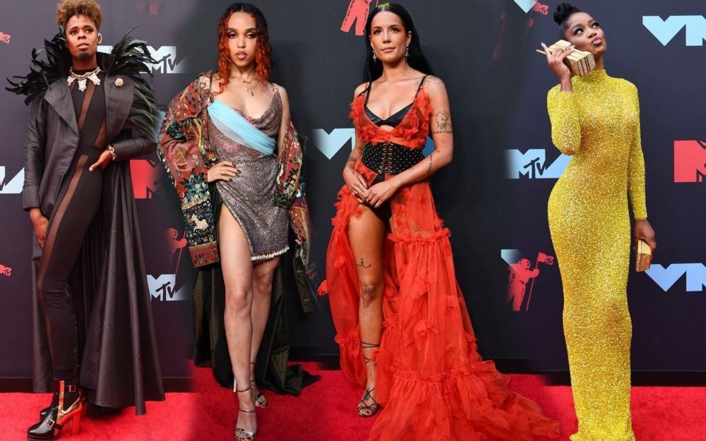 MTV mükafatlarında qırmızı xalıdakı ən maraqlı libaslar