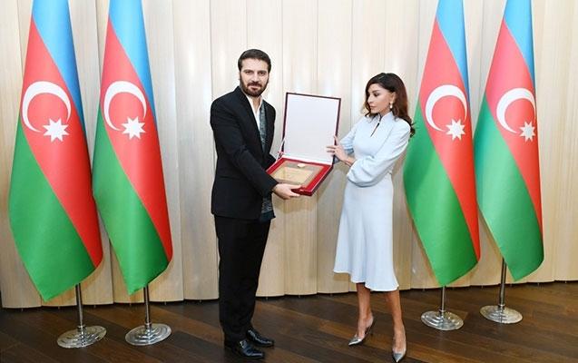 Mehriban Əliyeva Sami Yusufla görüşdü - Foto