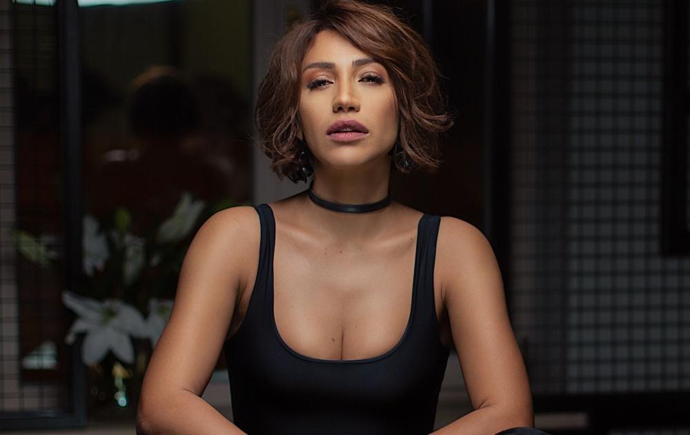 Röya Ədalətin mahnısına klip çəkdirdi - Video