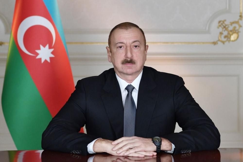 Prezident Əmir Pəhləvana ev bağışladı