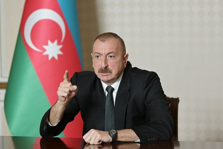 Prezident Elmar Məmmədyarovu tənqid etdi