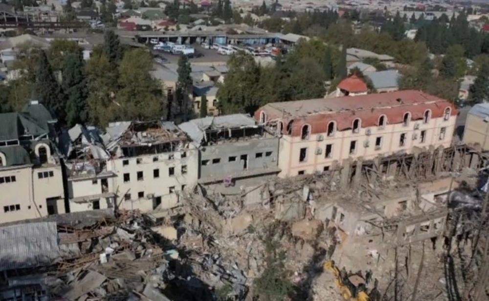 Ermənistanın atdığı raketdən sonra Gəncə... -  Fotolar