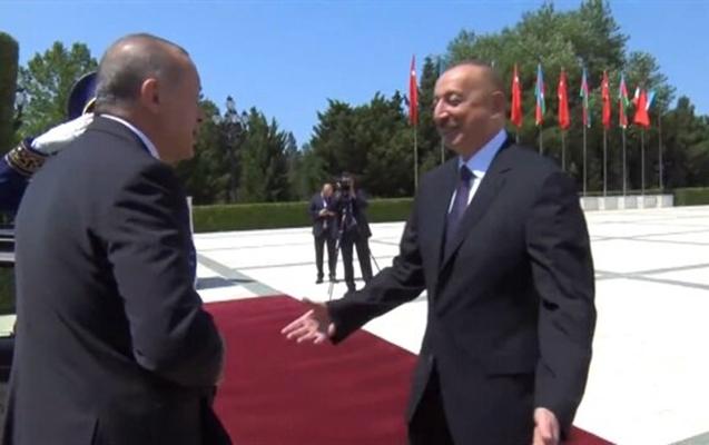 Çavuşoğlu Azərbaycanı bu görüntülərlə təbrik etdi -  Video
