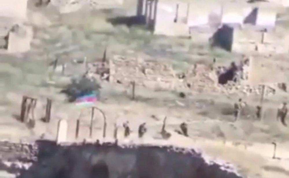 Azərbaycan bayrağı Xudafərin körpüsündə -  Video