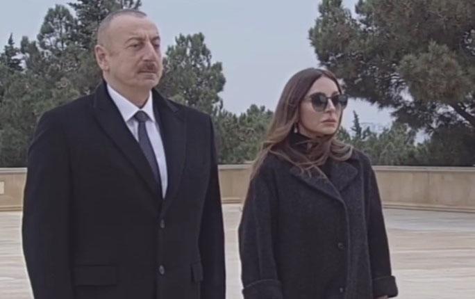 Prezident və xanımı Şəhidlər Xiyabanında -  Video