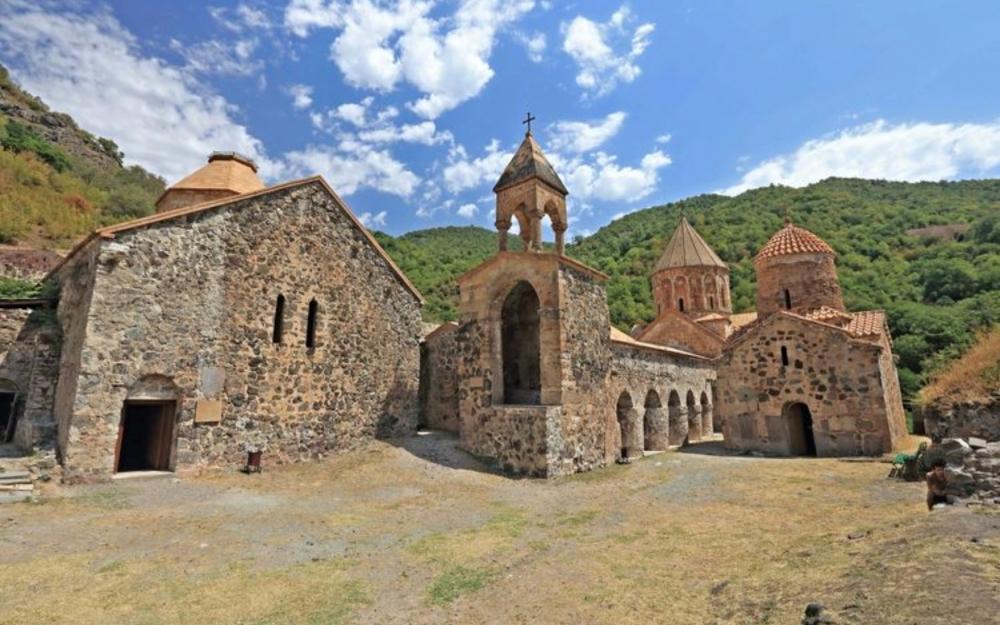 Xudavəng monastır kompleksi talan edilib -  Bəyanat