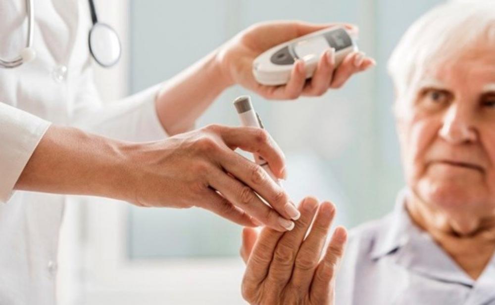 Şəkərli diabet xəstələri koronavirusu 4 qat ağır keçirir