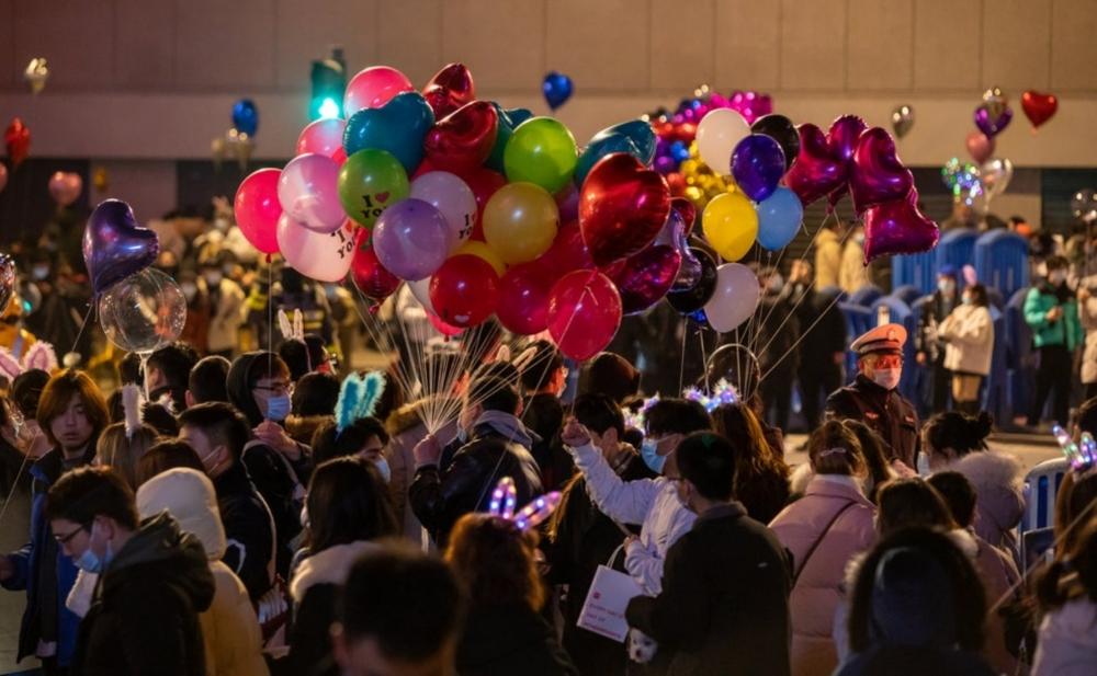 Dünyanı Covid-19 bəlasına salan Uhanda Yeni il gecəsi - Fotolar