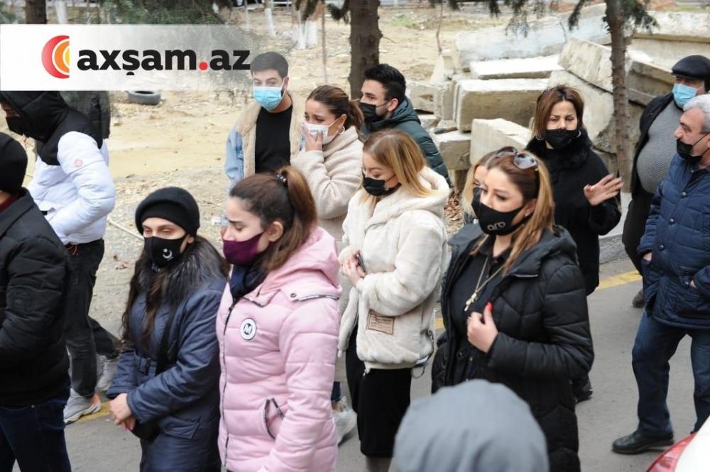 Sənət adamları Nailə Mirməmmədlini son mənzilinə yola salır - Fotolar