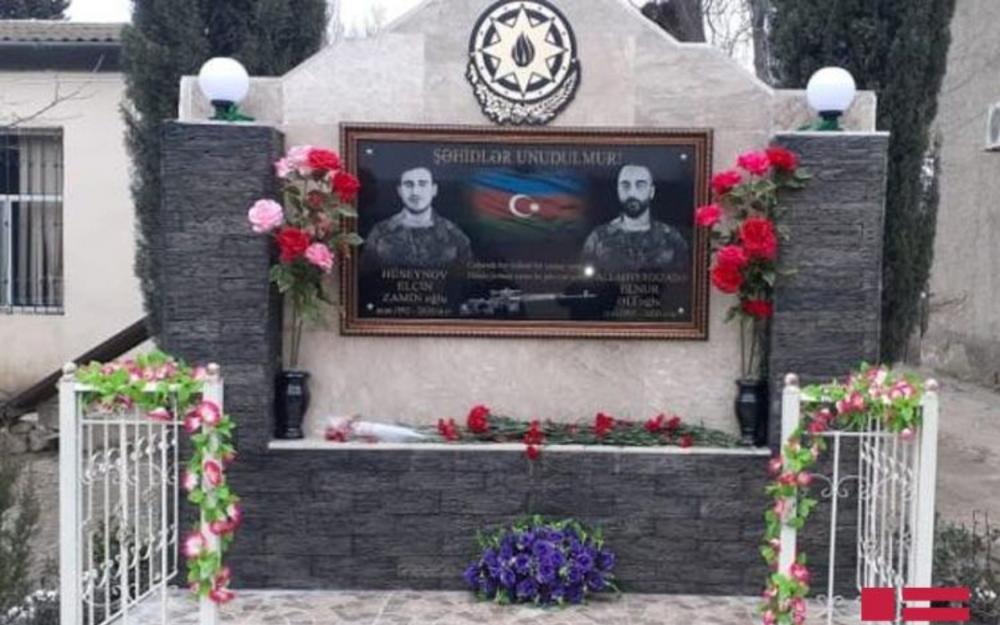 Vətən müharibəsi şəhidlərinin xatirə lövhəsi ucaldılıb - Fotolar