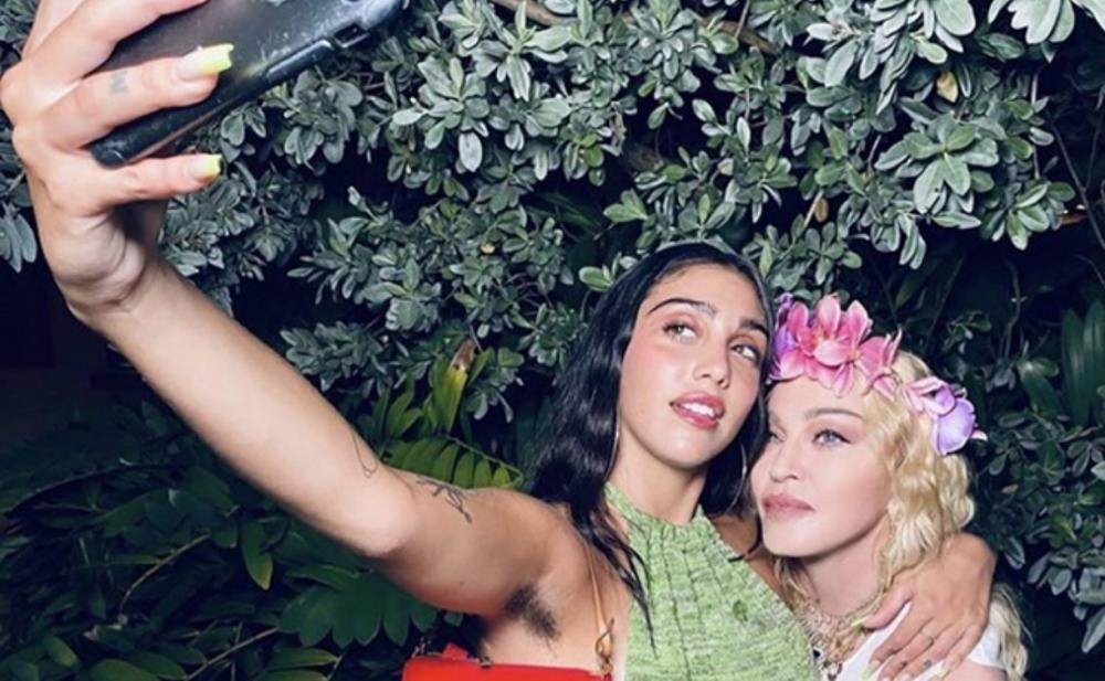 Hamı Madonnanın qızının bu fotosunu müzakirə edir