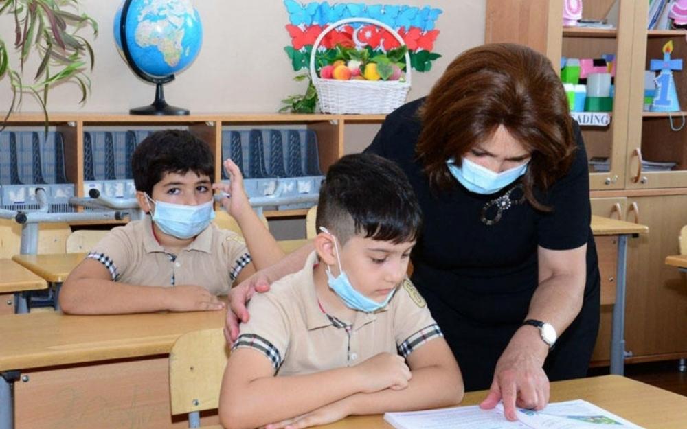 Vaksinasiyadan keçən təhsil işçilərinin sayı açıqlandı