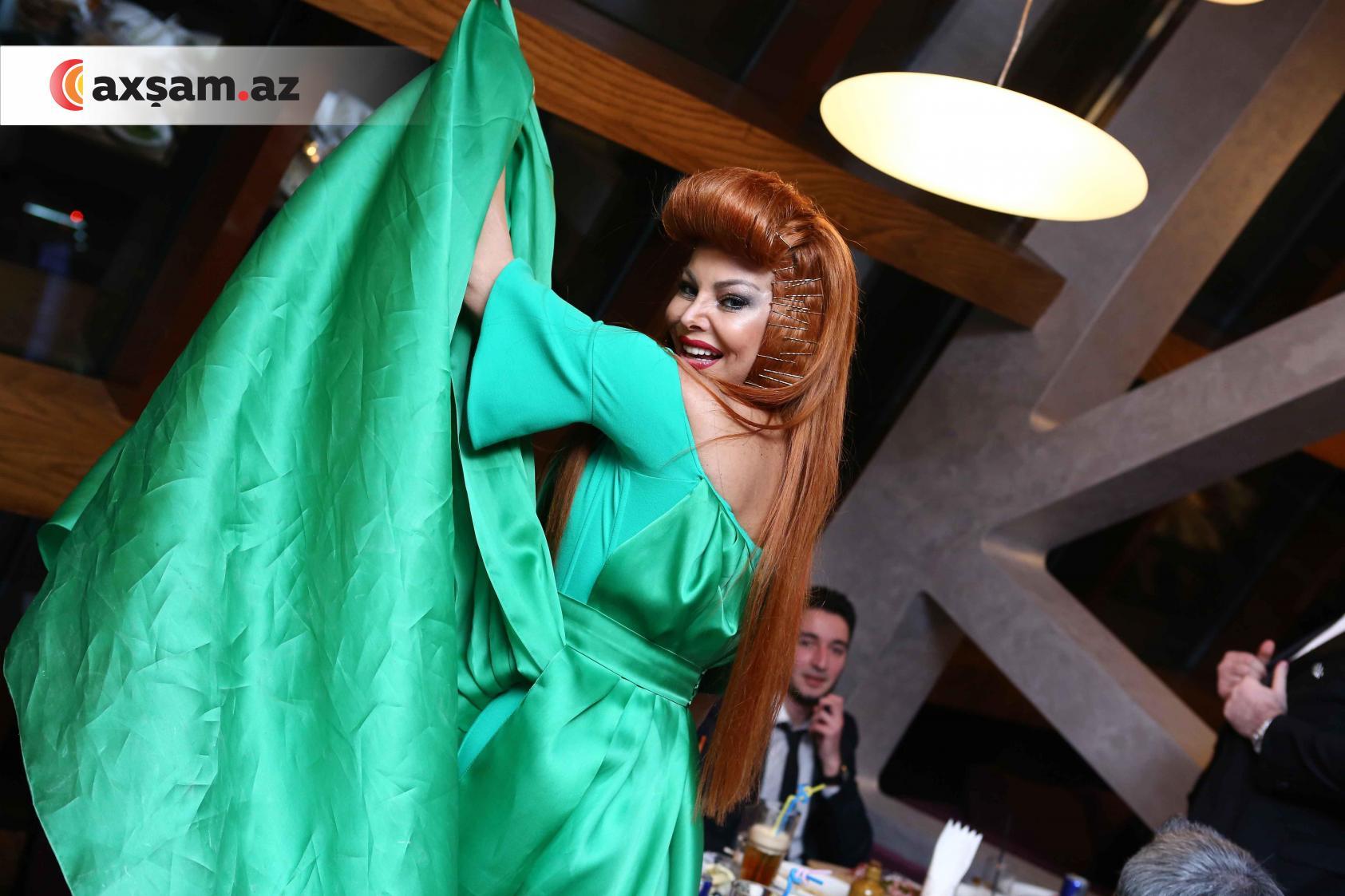 Секс айгуна казымова, Aygn Kazmova seks lt killr 5 фотография
